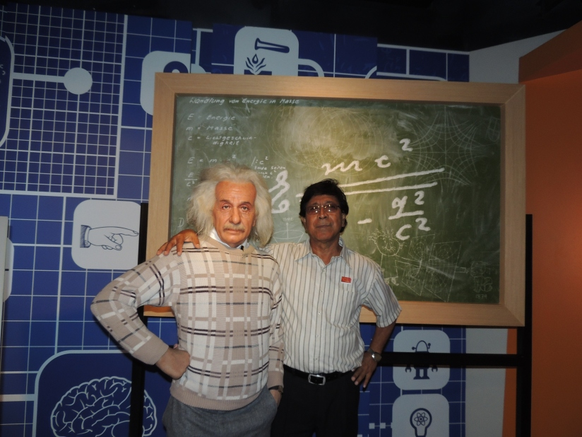 Papa with replica of the Great Einstein....at Madame Tussauds Wax Museum